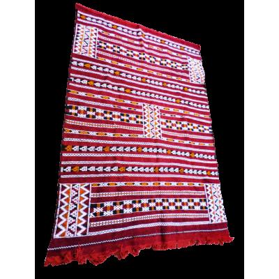 Tapis GrenatouHambel Amazigh. Dimensions 3m X 1,50 m. Région : Béni Mellal La Splendeur du Passé